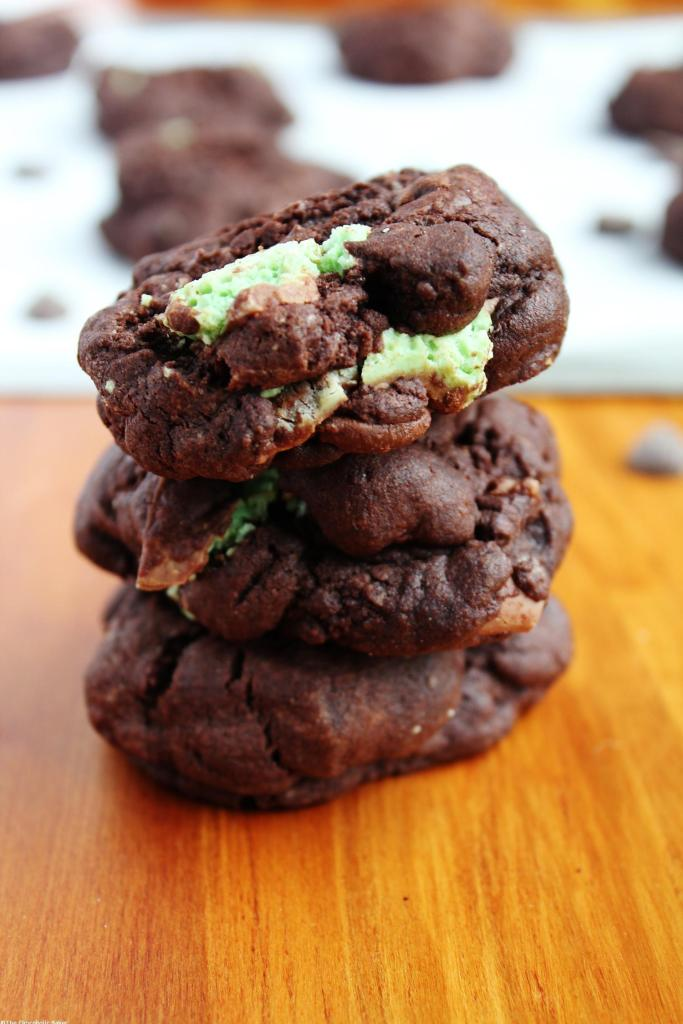 Double Chocolate Mint Cookies - Supremely chocolatey cookies stuffed with extra chocolate chips and fresh mint chocolate flavour. There is so much to love about these decadent cookies and they are a must for any mint lover!