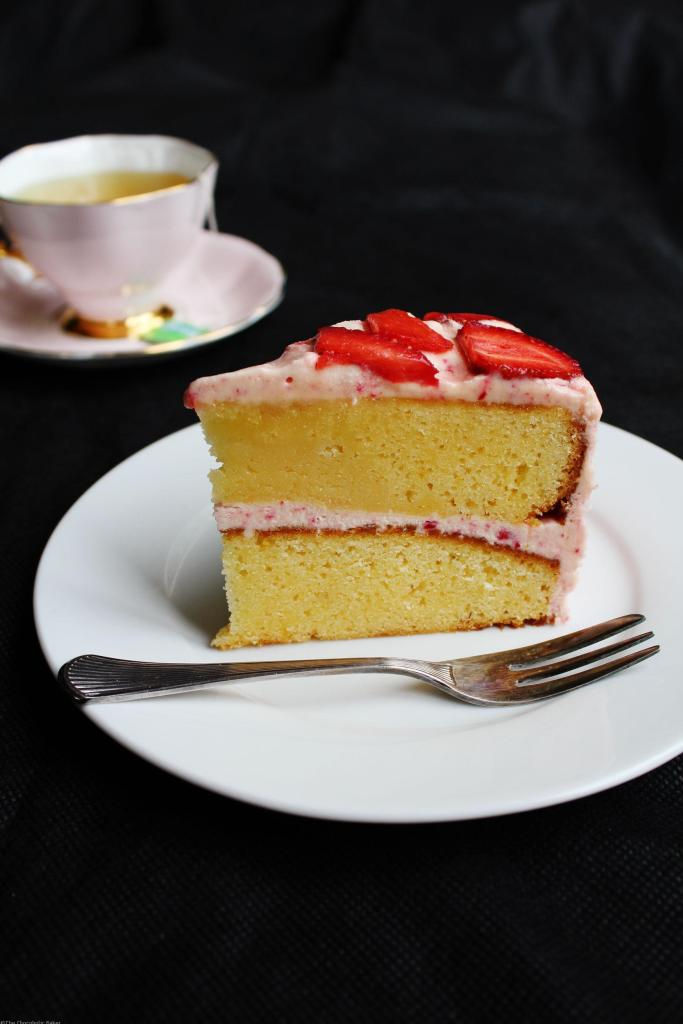 White Chocolate Strawberry Mudcake - Dense and fudgy mudcake topped with strawberry buttercream that is simple enough for an afternoon tea treat.