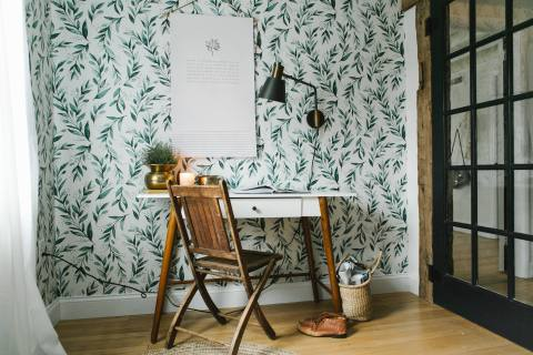 Wallpaper in European Inspired House