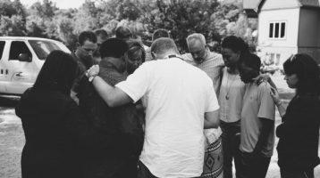 Kendrick Brothers Pray