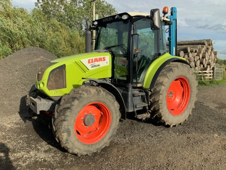 claas tractor pic