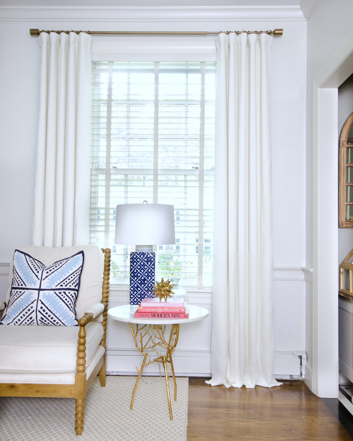 how to get curtains to hang straight