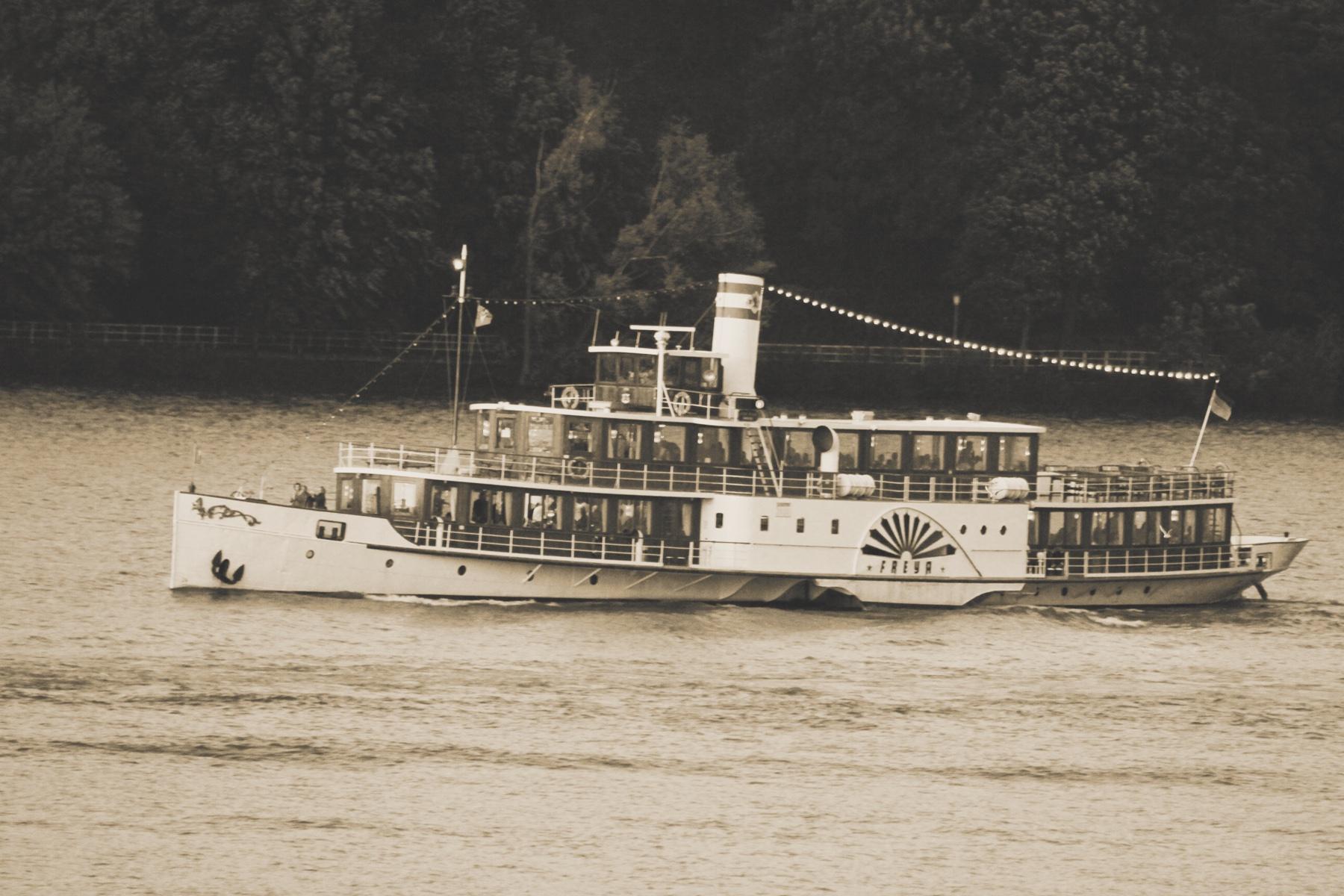 FF201912-schiff