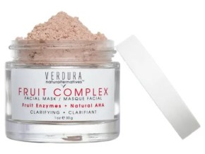 VERDURA naturalternatives - Fruit Complex Facial Mask | Made with colloidal oat, this fruit enzyme mask is super gentle, exfoliating, and hydrating. With just one use, this mask will leave your skin bright and silky smooth. Ideal for all skin types, especially good for acne prone skin, and skin types that don't tolerate oils very well (this mask is oil-free, in powder form, just add water to activate it).