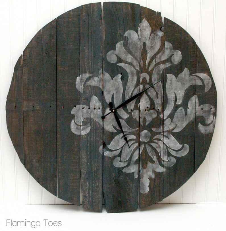 Large-Pallet-Clock-795x812