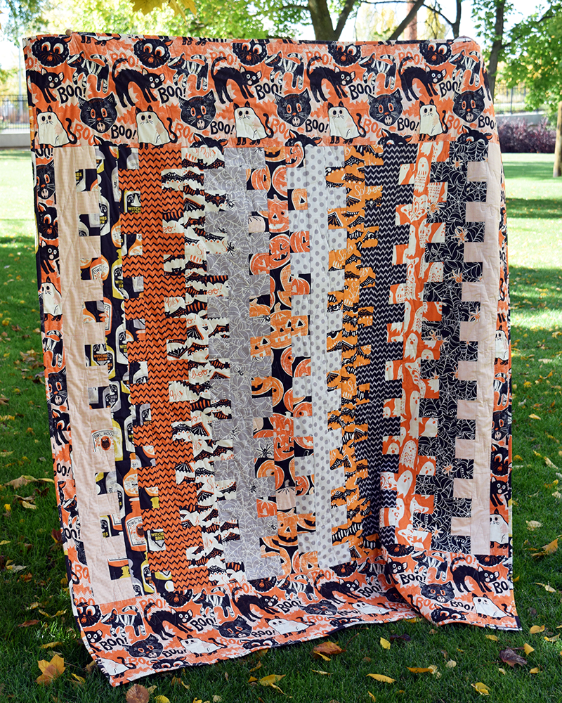 spooky-ladder-halloween-quilt-by-the-cloth-parcel