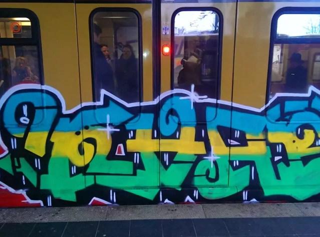 bvg-graffiti-berlin