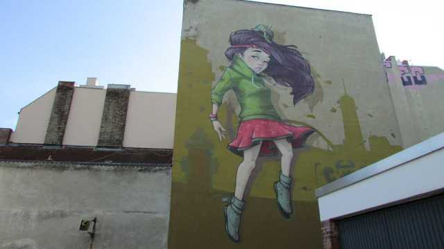 wedding streetart mural
