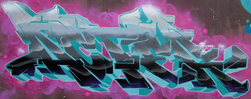 mauerpark-graffiti-wall-13