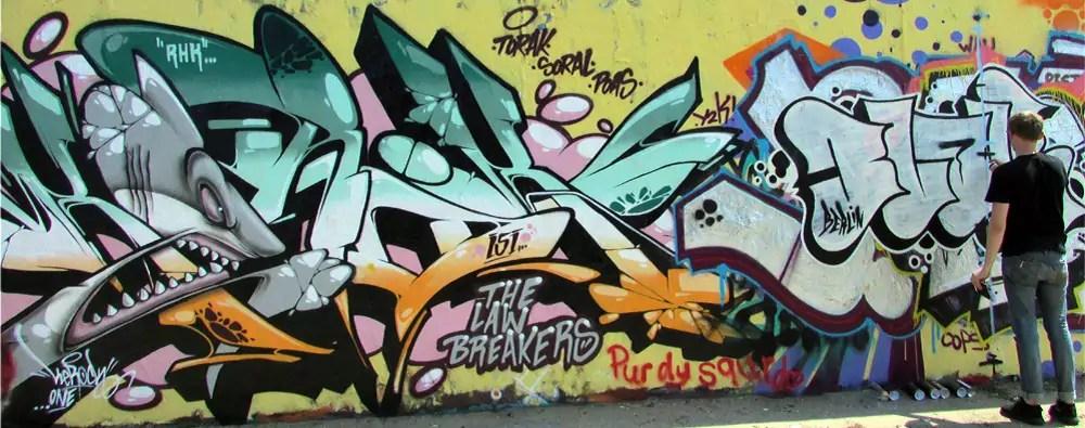 mauerpark-graffiti-wall-5