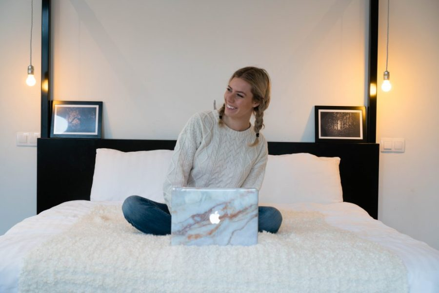 The Magazine Hotel and Apartments Budapest; Panorama Suite bed blogger