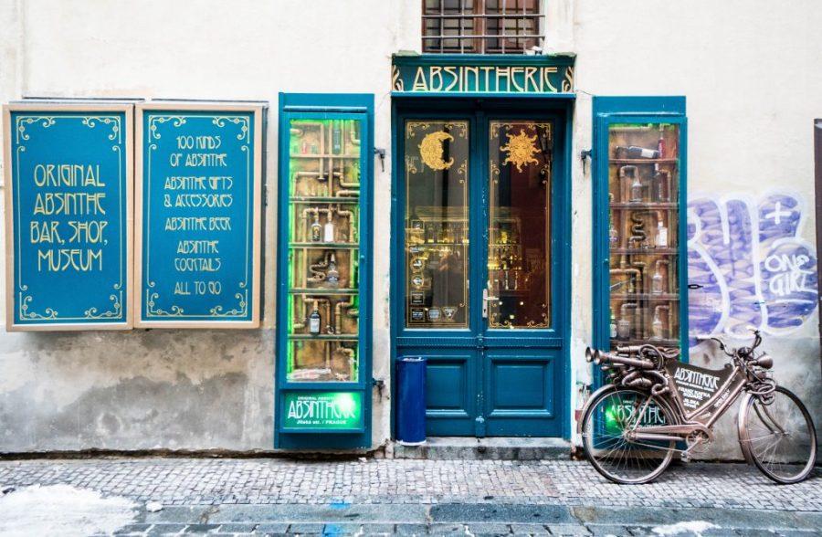 48 Hours in Prague; Absintherie