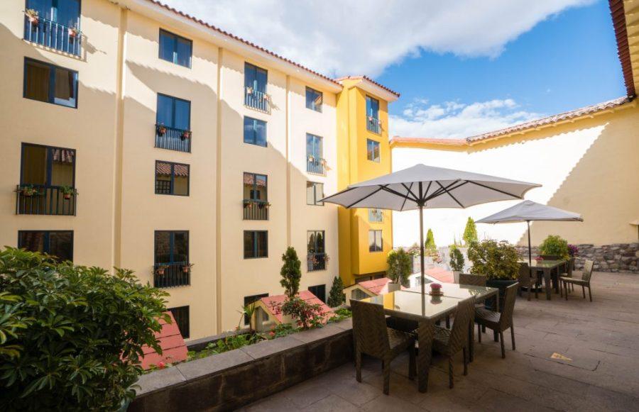 Novotel Cusco; interior courtyard
