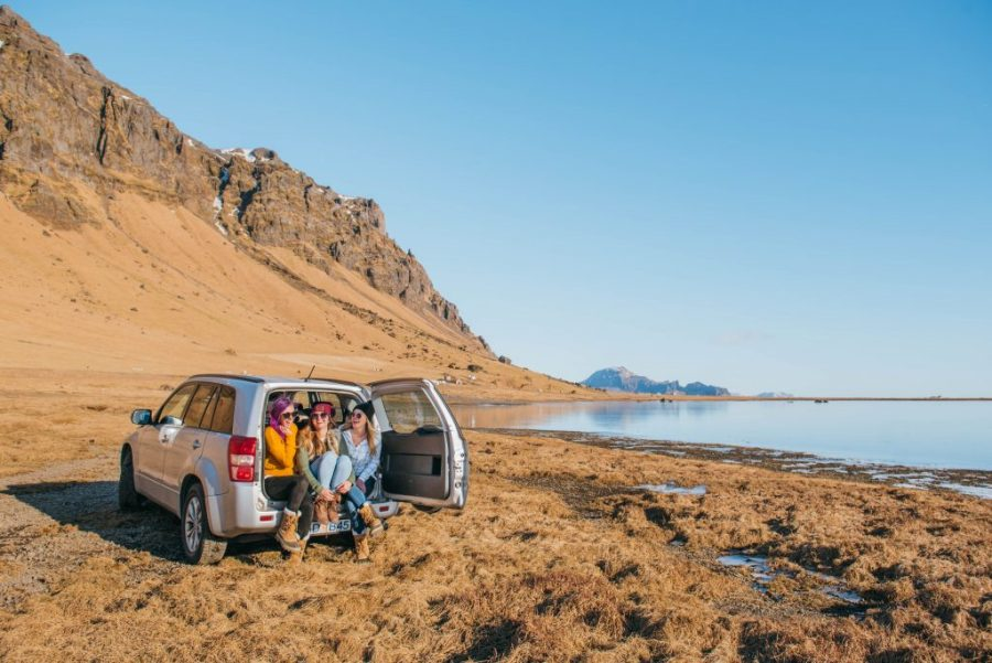Iceland travel tips; girls road trip wilderness lakeside and mountain