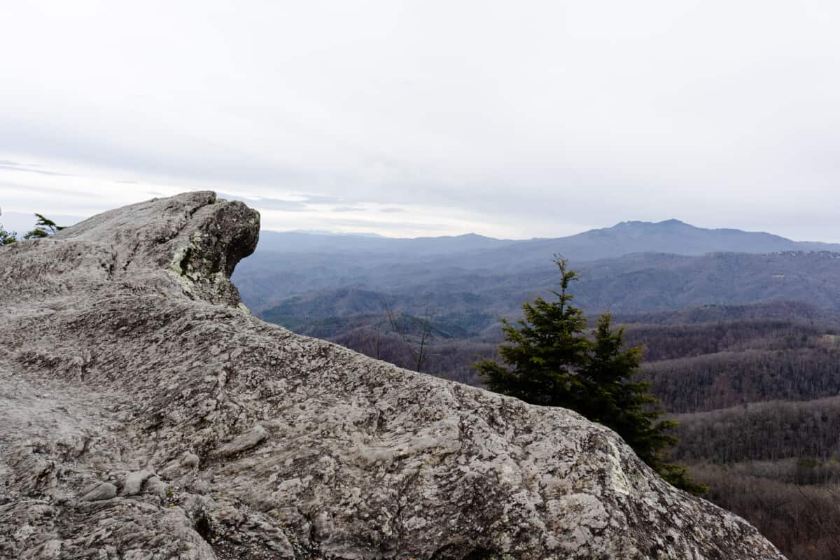 Our mountain vacation to Blowing Rock, North Carolina to stay at Chetola Resort, located in the Blue Ridge Mountains with the Chetola Sporting Reserve. #mountaingetaway #mountains #westernnorthcarolina #boonenc #bannerelk #blowingrock #blueridgemountains #chetolaresort