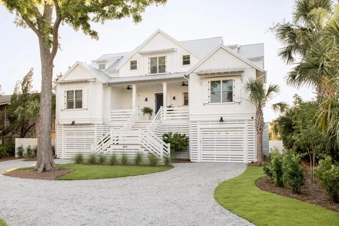 Beautiful white homes in the low country at Sullivan's Island.