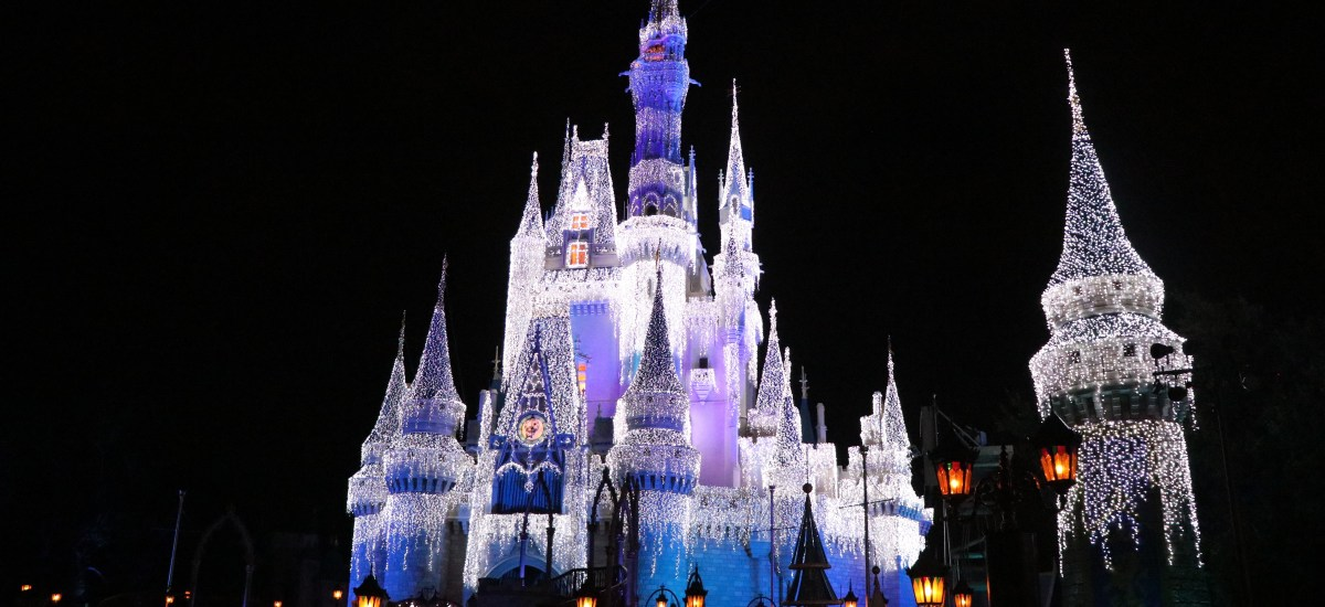Ultimate Guide to Mickey's Very Merry Christmas Party