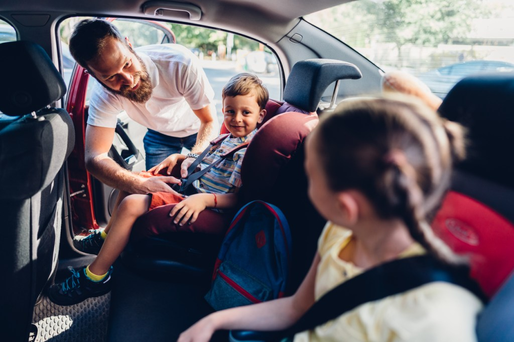4 Tips for a Budget-Friendly Family Road Trip
