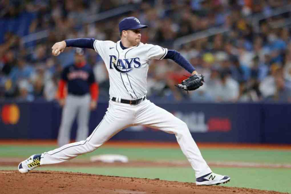 Collin McHugh #31 of the Tampa Bay Rays pitches in the third inning against the Boston Red Sox during Game 2 of the American League Division Series at Tropicana Field on October 08, 2021 in St Petersburg, Florida.