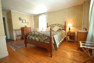 Colonel Wiliams Inn Room 3