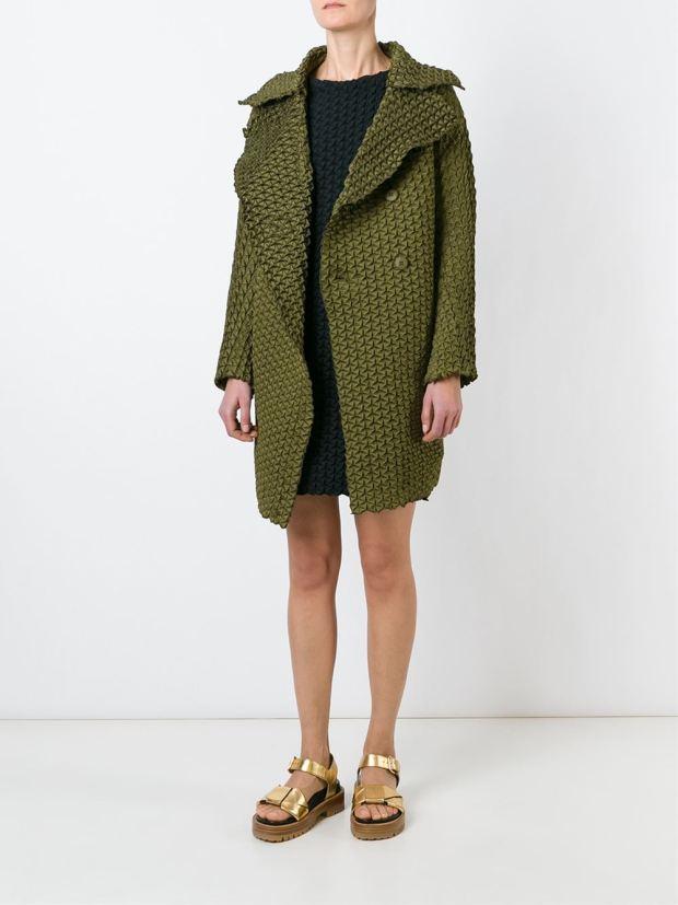 green-coat_thecolorharmony