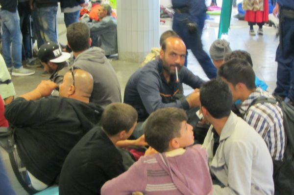 More refuges at Keleti Station