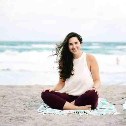 Rachel Ritlop The confused millennial beach