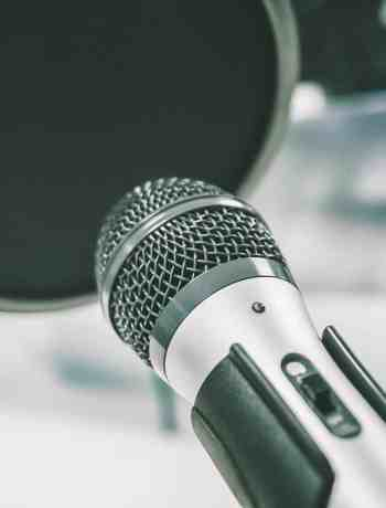 What You Need To Start A Podcast, tips and products for how to start a podcast , marketing your podcast as a small business for people using social media, products for starting a podcast for free or low budget, #podcast, #podcasting, #howto, #startapodcast