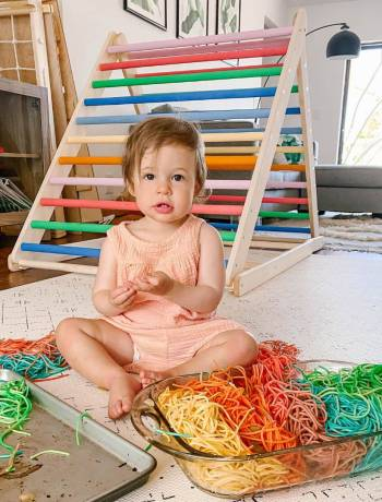 How To Make Colored Pasta For Sensory Play With Toddlers & Babies: Easy Rainbow Spaghetti Recipe, rainbow spaghetti sensory play bin activity, things to do with toddlers at home, cheap and simple diy for fun learning activities with 2 year olds or 1 year old or 3 year old, raindy day crafts that are basically free to do indoors, toddler activities under 2 indoor, #toddleractivities, #toddleractivity, #rainbowspaghetti, #coloredpasta