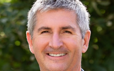 227: Is Pain During Yoga Okay? with Neil Pearson