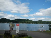 Lakeside Lunch Stop