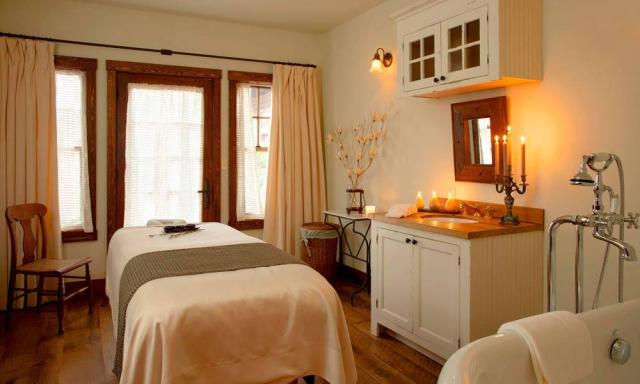 Spa-treatment-room-gal