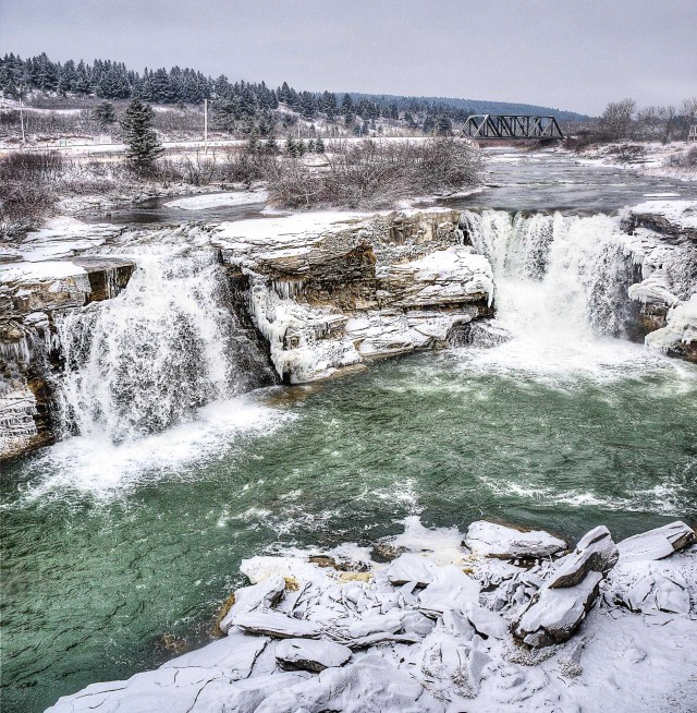 Lundbreck Falls Albera