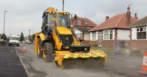 The Pothole Master, introduced in 2014, was based on the less versatile 3CX backhoe loader