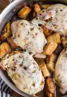French Onion Chicken is an easy go-to meal the entire family will love! This skillet chicken recipe tastes just like your favorite soup in main course form. French Onion Soup Chicken is chicken breast topped with swiss cheese, french onion soup, croutons, and more cheese!