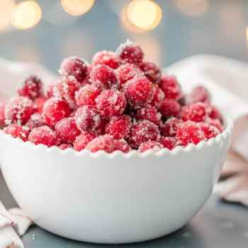 SUPER EASY SUGARED CRANBERRIES are an easy and delicious treat for the holidays! Perfect for Thanksgiving or Christmas, SO ADDICTING!
