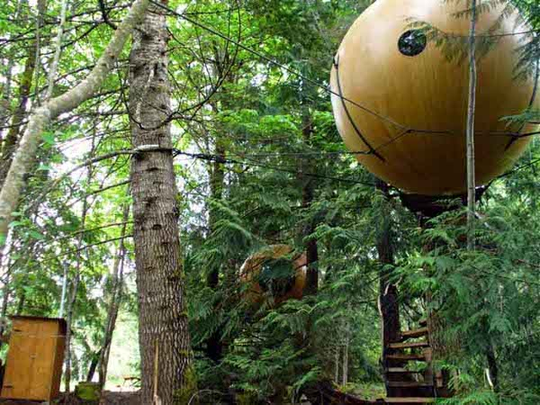free-spirit-spheres-treehouses_1