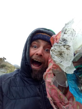 @CleanCoasts calling Cork people to sign up to receive a #2minutebeachclean kit