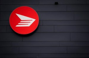 Canada Post workers isolating after coronavirus outbreak at Mississauga facility