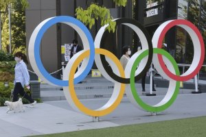 Fans attending Tokyo Olympics may have to show proof of COVID-19 vaccination: report
