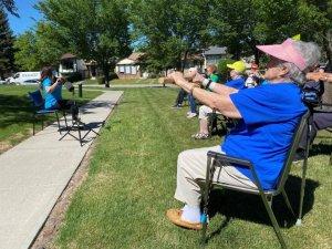Calgary seniors celebrate 'fantastic' success of COVID-19-free care home
