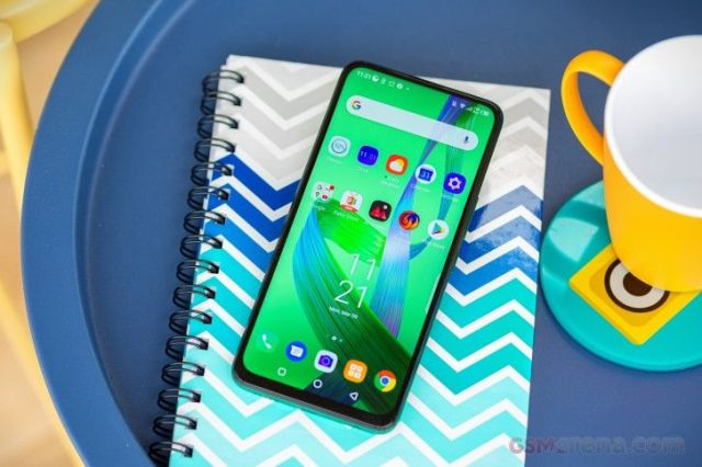Infinix XOS 6 Dolphin review
