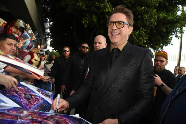 Breaking News: Robert Downey Jr. to sign autographs for SWAU