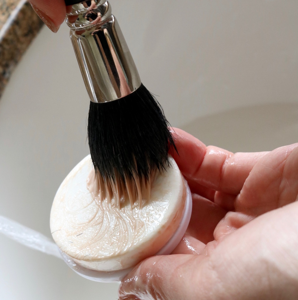 How To Clean Brushes 12