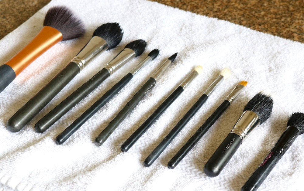 How To Clean Brushes 2