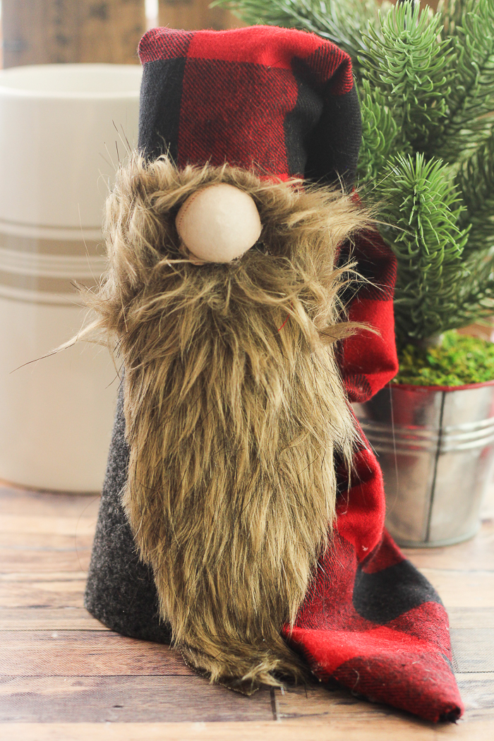 Make a Christmas gnome for your holiday decor this year! This Scandinavian gnome is perfect for your farmhouse Christmas! #gnome #scandinavian #christmas