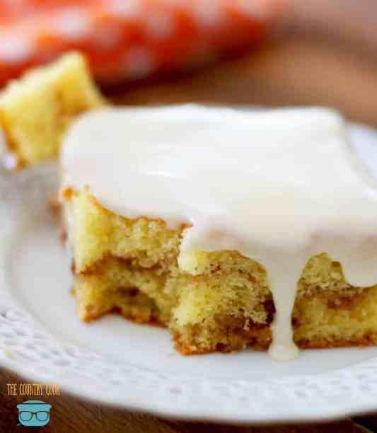 Easy glazed honey bun cake
