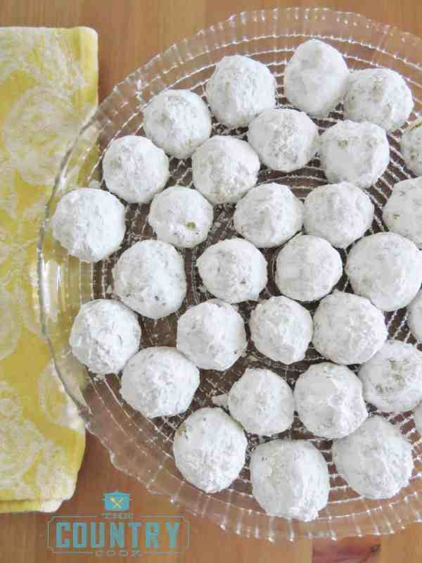 Final plating - powdered sugar covered cookies