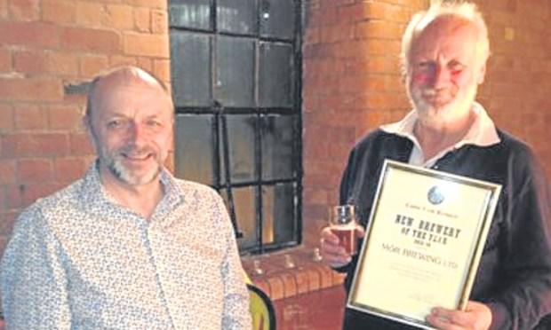 MòR Brewings co-directors Ross Niven and Jim Hughan (right).