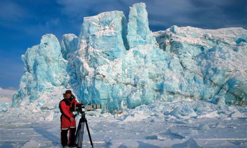 Doug Allan on location in Svabard in the Norwegian Arctic in 2000.